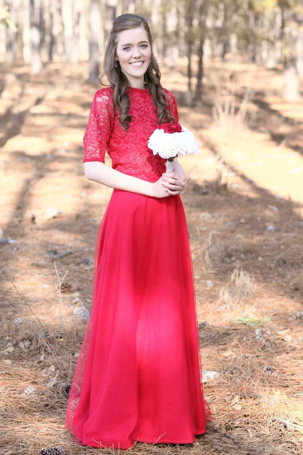 Modest Bridesmaid Dress with Sleeves//Red//Lace//Tulle//Elegant//Formal//Long//Winter Wedding